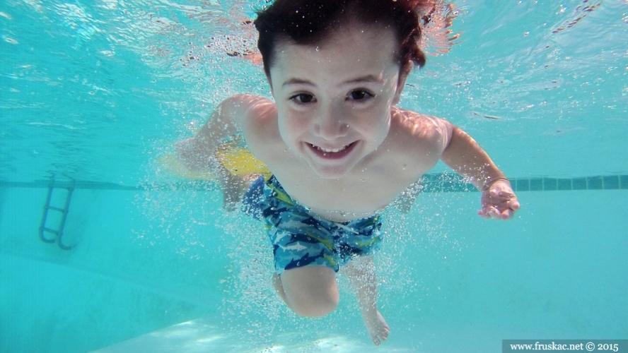 Gossip - Otvoreni bazeni za decu na Partizanskom putu